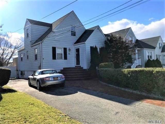 14 Westmoreland Rd, Merrick, NY 11566 (MLS #3192897) :: Signature Premier Properties