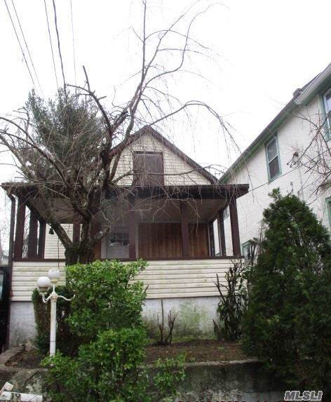19 Charles St, Port Washington, NY 11050 (MLS #3192998) :: HergGroup New York