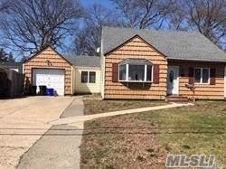119 Foster Blvd, Babylon, NY 11702 (MLS #3193003) :: Signature Premier Properties