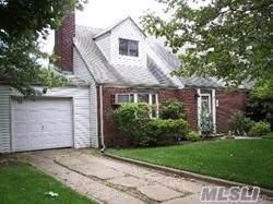 215 Franklin Ave, Malverne, NY 11565 (MLS #3194135) :: Kevin Kalyan Realty, Inc.