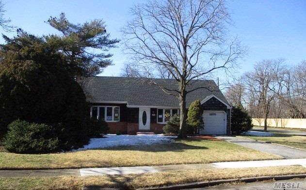 59 Parkview Pl, Malverne, NY 11565 (MLS #3194395) :: Kevin Kalyan Realty, Inc.