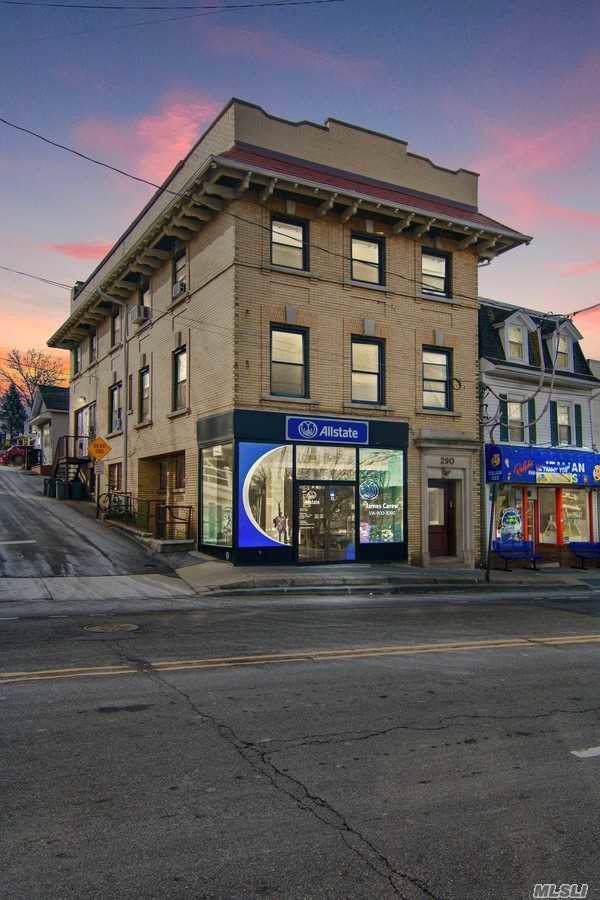 290 Main St, Port Washington, NY 11050 (MLS #3194695) :: HergGroup New York
