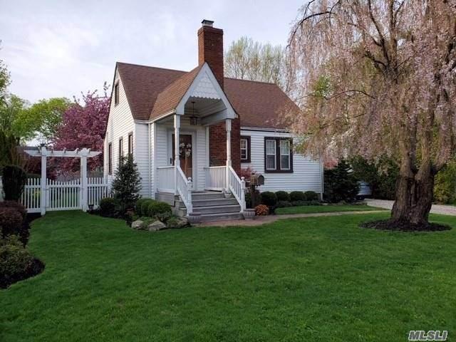 49 Garfield Pl, E. Northport, NY 11731 (MLS #3197458) :: Signature Premier Properties