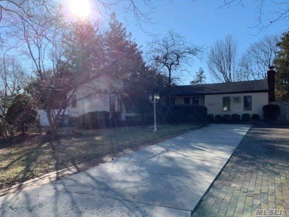 608 Larkfield Rd, E. Northport, NY 11731 (MLS #3198108) :: Signature Premier Properties