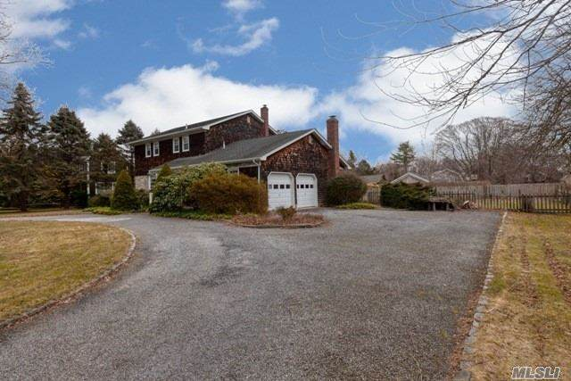22 Fox Hollow Ln, Southampton, NY 11968 (MLS #3199486) :: Signature Premier Properties