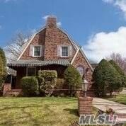 7 Jefferson St, Garden City, NY 11530 (MLS #3200707) :: Kevin Kalyan Realty, Inc.