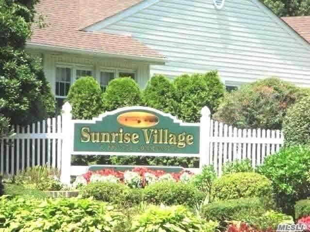74 Revere Dr, Sayville, NY 11782 (MLS #3202231) :: Denis Murphy Real Estate