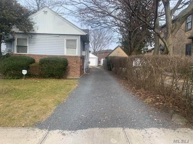 52-23 Leith Pl, Little Neck, NY 11362 (MLS #3203292) :: RE/MAX Edge