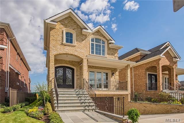 3-37 150 St, Whitestone, NY 11357 (MLS #2816998) :: Netter Real Estate