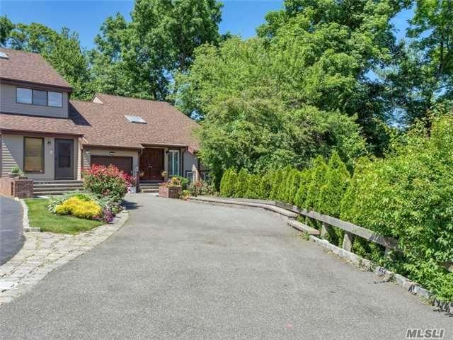 49 The Circle #49, Glen Head, NY 11545 (MLS #2861972) :: Netter Real Estate