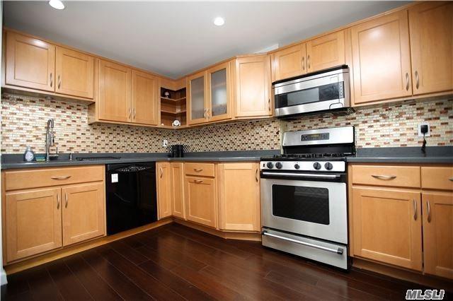 118-18 Union Tpke 2B, Kew Gardens, NY 11415 (MLS #2933912) :: Netter Real Estate