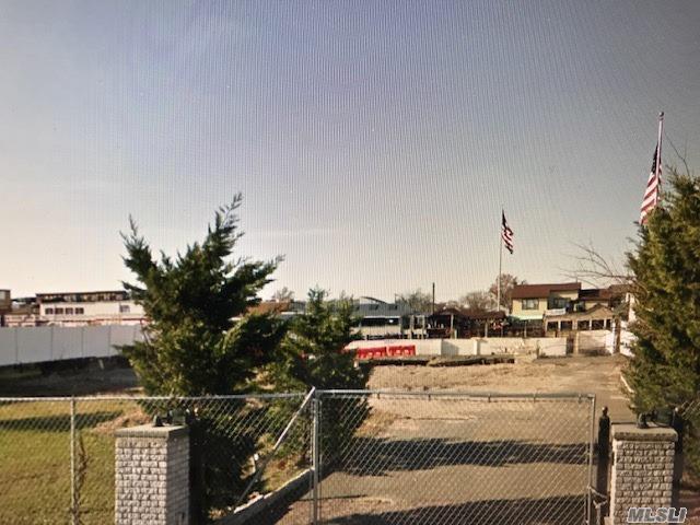 790 A Guy Lombardo Ave, Freeport, NY 11520 (MLS #2934182) :: Netter Real Estate