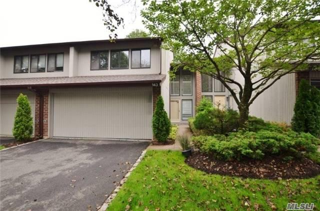 143 Foxwood Dr, Jericho, NY 11753 (MLS #2943856) :: Netter Real Estate
