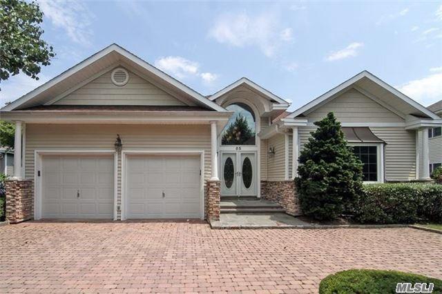 85 Redan Dr, Smithtown, NY 11787 (MLS #2947507) :: Keller Williams Homes & Estates