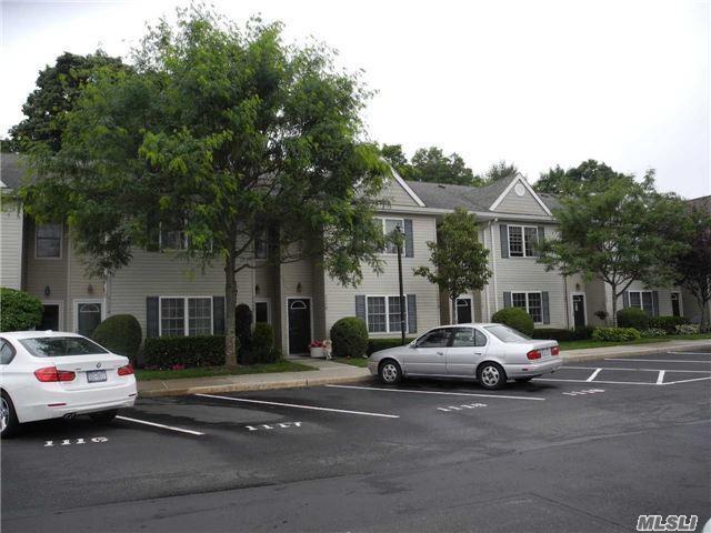 1116 Savoy Dr, Melville, NY 11747 (MLS #2948215) :: Netter Real Estate