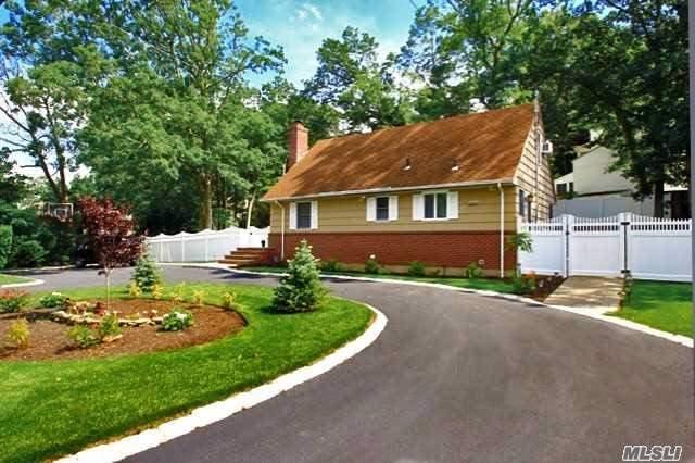 42 Trescott St, Dix Hills, NY 11746 (MLS #2948339) :: Signature Premier Properties