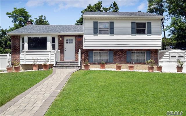 31 North Ln, Huntington, NY 11743 (MLS #2949958) :: Signature Premier Properties