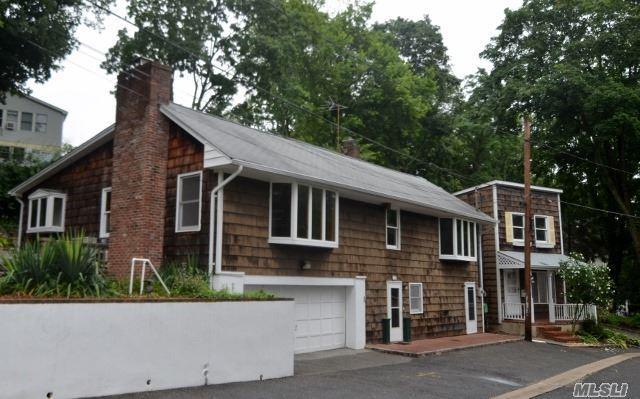 19 Edgewood Pl, Locust Valley, NY 11560 (MLS #2954772) :: The Lenard Team