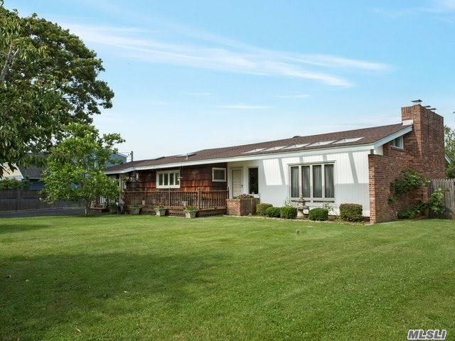 93 Elder Rd, Islip, NY 11751 (MLS #2957655) :: The Lenard Team