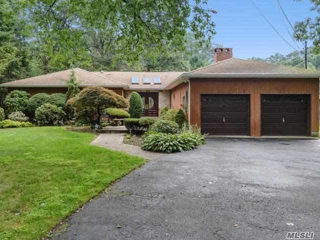181 Candlewood Path, Dix Hills, NY 11746 (MLS #2963693) :: Signature Premier Properties