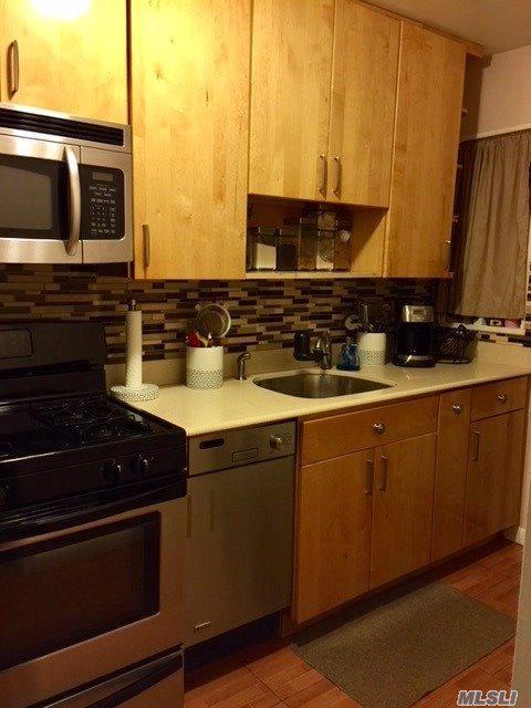 221-36 Manor Rd Duplex, Queens Village, NY 11427 (MLS #2975463) :: Netter Real Estate