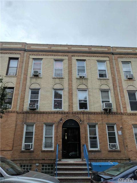 41-32 52nd St, Woodside, NY 11377 (MLS #2976369) :: Netter Real Estate