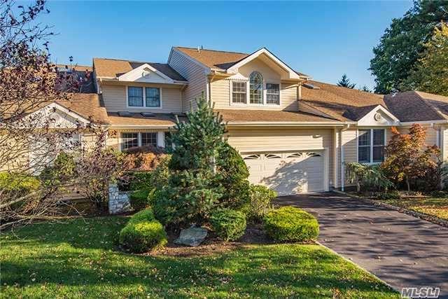 143 Firestone Cir, Roslyn, NY 11576 (MLS #2982513) :: Netter Real Estate