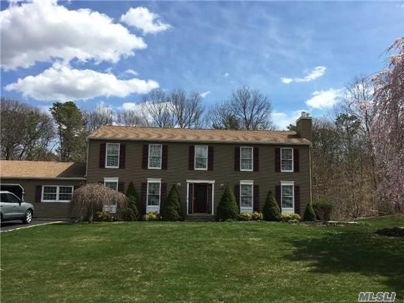 41 Foreston Cir, Manorville, NY 11949 (MLS #2982905) :: Netter Real Estate
