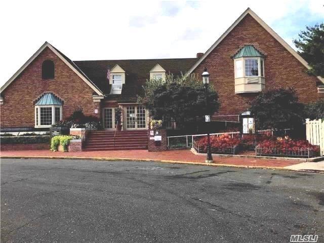206-14 Emily Rd 1st Fl, Bayside, NY 11360 (MLS #2984974) :: Keller Williams Points North