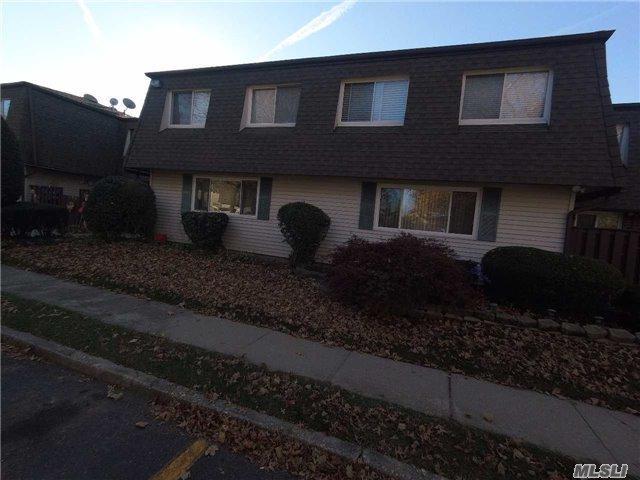 174 Feller Dr, Central Islip, NY 11722 (MLS #2985986) :: Keller Williams Homes & Estates