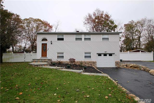 3 Possum Ln, E. Setauket, NY 11733 (MLS #2986126) :: The Lenard Team
