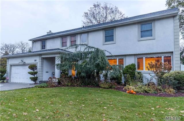 824 Oakleigh Rd, N. Woodmere, NY 11581 (MLS #2986520) :: The Lenard Team