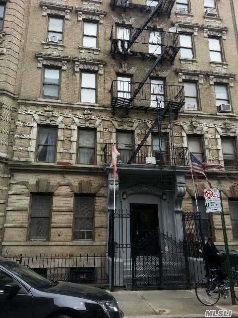 225 S 3 St #24, Brooklyn, NY 11221 (MLS #2987012) :: Netter Real Estate