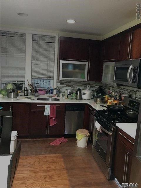 140-55 34th Ave 49S, Flushing, NY 11355 (MLS #2987808) :: The Lenard Team