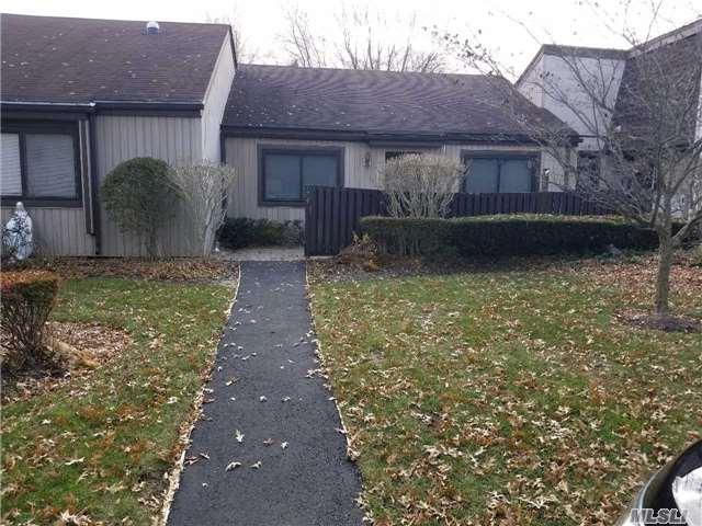 174 Strathmore Gate Dr, Stony Brook, NY 11790 (MLS #2988150) :: The Lenard Team