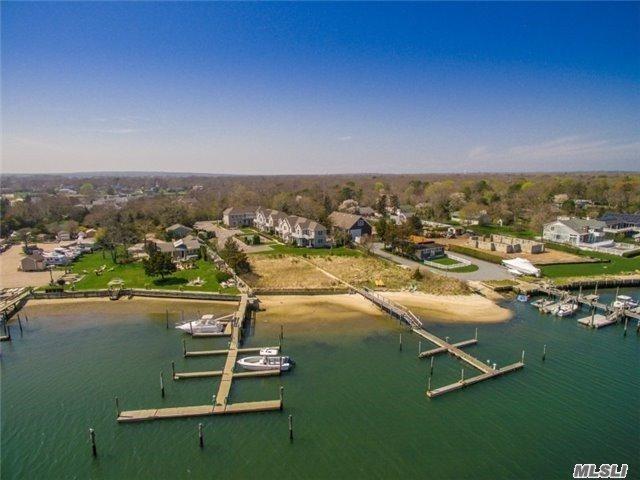 29 Gardners Ln 1B, Hampton Bays, NY 11946 (MLS #2989545) :: Netter Real Estate