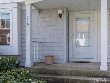 206 Fen Way, Syosset, NY 11791 (MLS #2989967) :: Netter Real Estate