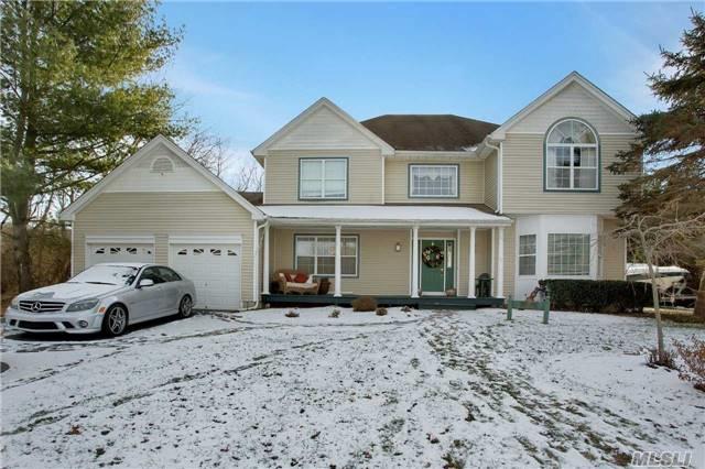27 Mark Twain Ln, E. Setauket, NY 11733 (MLS #2992982) :: Netter Real Estate