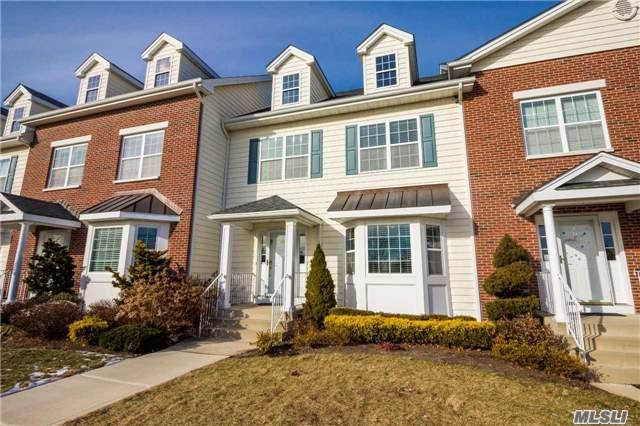 163 Brattle Cir, Melville, NY 11747 (MLS #2994383) :: Netter Real Estate