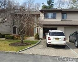 41 Maple Run Ct, Jericho, NY 11753 (MLS #2997891) :: Netter Real Estate