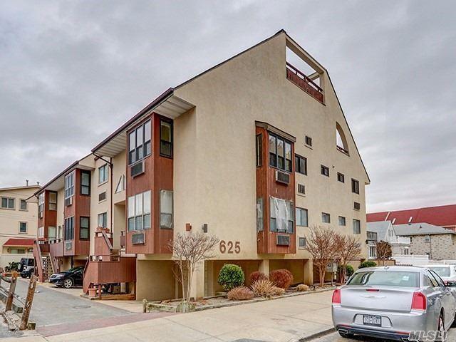 625 Shore Rd 2E, Long Beach, NY 11561 (MLS #2999461) :: Netter Real Estate