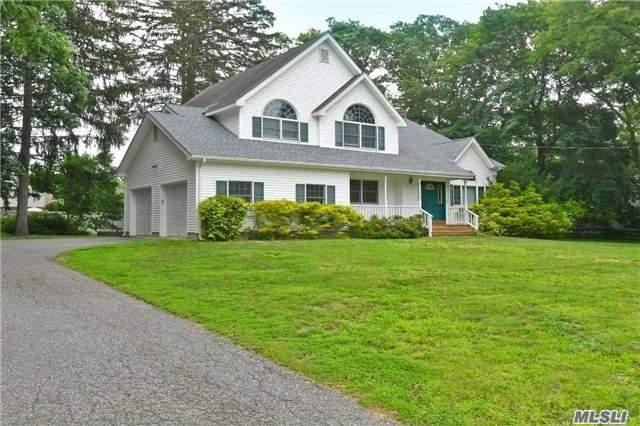 171 Gibbs Pond Rd, Nesconset, NY 11767 (MLS #3001123) :: The Lenard Team