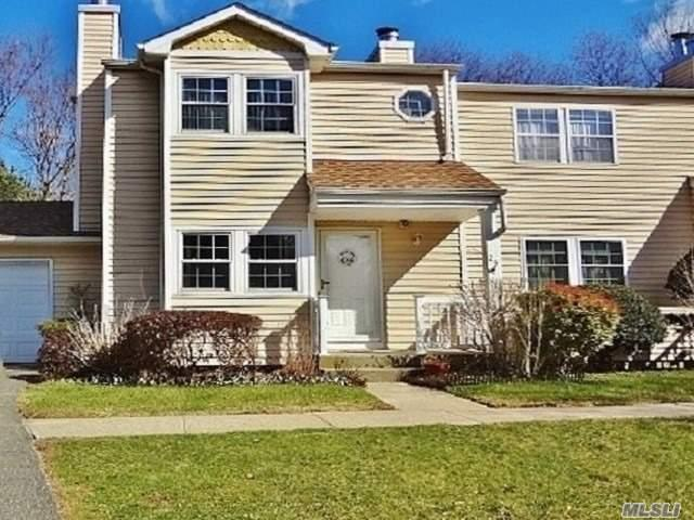 24 Hopkins Commons, Yaphank, NY 11980 (MLS #3009854) :: Netter Real Estate