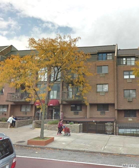 55-12 Main St 4A, Flushing, NY 11355 (MLS #3013340) :: The Lenard Team
