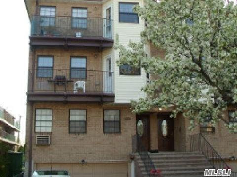 151-40 79th St, Howard Beach, NY 11414 (MLS #3024131) :: The Lenard Team