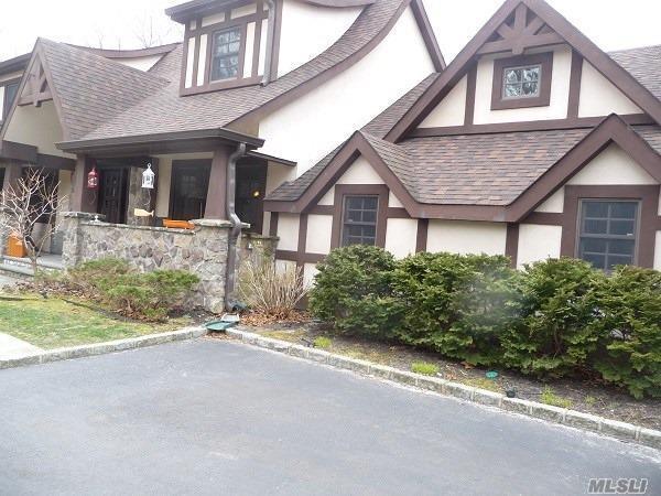 100 Mount Grey Rd, Setauket, NY 11733 (MLS #3039290) :: The Lenard Team