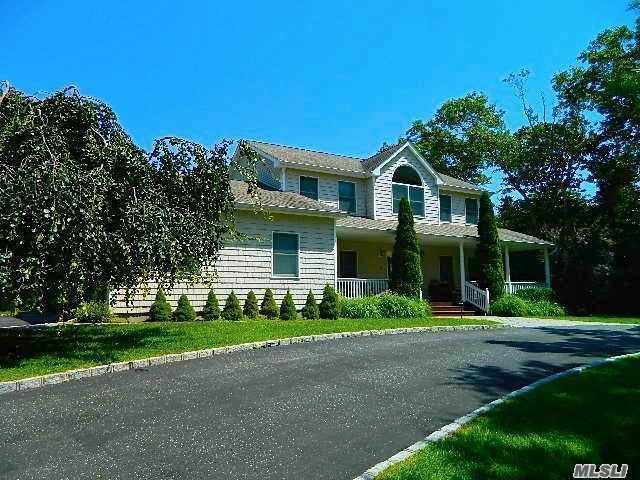 8 Ridge Blvd, Hampton Bays, NY 11946 (MLS #3043431) :: Netter Real Estate