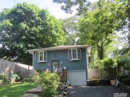 440 Boulder St, Ronkonkoma, NY 11779 (MLS #3048459) :: Keller Williams Points North