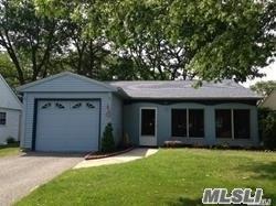 185 Kingston Dr, Ridge, NY 11961 (MLS #3059739) :: The Lenard Team