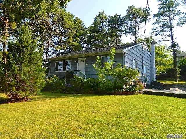 24 E Hillover Rd, Hampton Bays, NY 11946 (MLS #3061209) :: Netter Real Estate